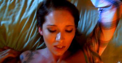 Фото №4 Любительский секс от первого лица с грудастой брюнеткой Callie Nicole