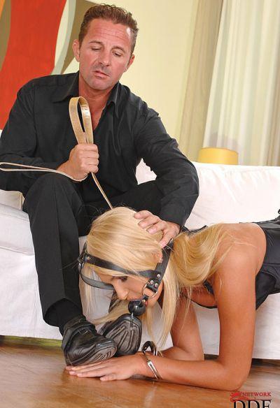 Фото №7 Муж наказал жену анальным испытанием