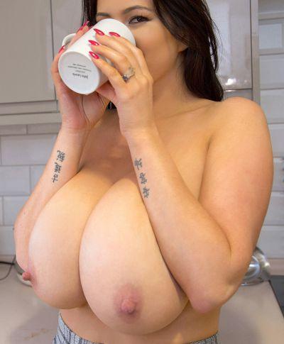 Фото №15 Жена с огромными висячими дойками