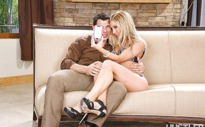 Фото №1 Сексуальная фотосессия с отличной блондинкой Amy Brooke