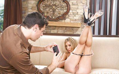 Фото №3 Сексуальная фотосессия с отличной блондинкой Amy Brooke