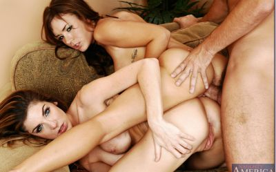 Фото №15 К голым лесбиянкам присоединился самец