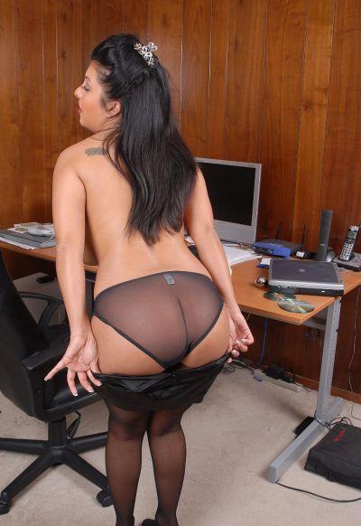 Фото №9 Пухлая азиатская секретарша в чулках